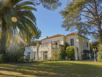 Cap d' Antibes – Splendide Villa