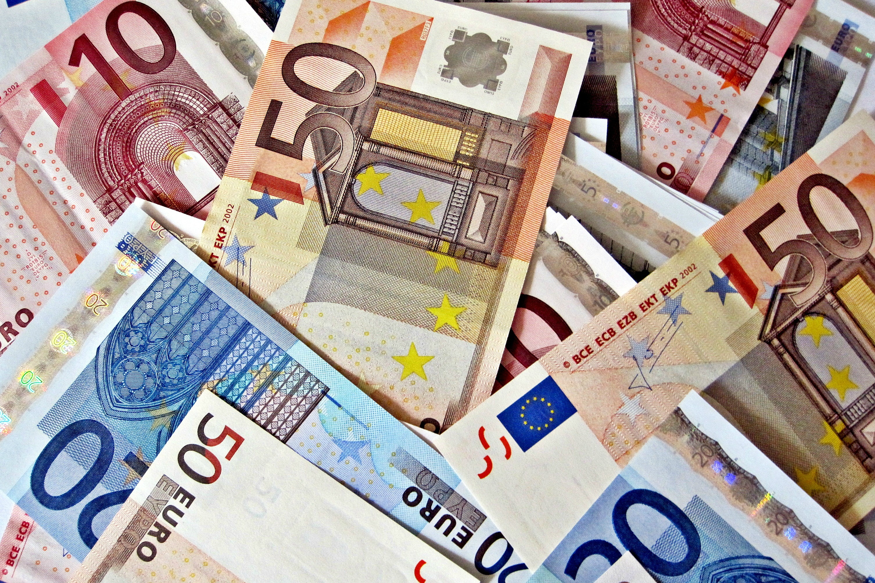 euro_investment_fund_cash_money_creditimages_money_flickr